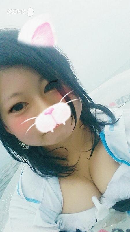 綺麗な乳首の女の子のスノウ画像
