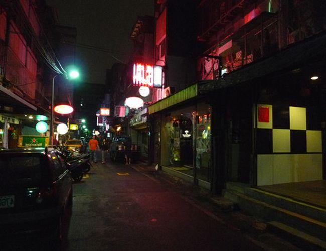 台湾デリヘル-ポン引き